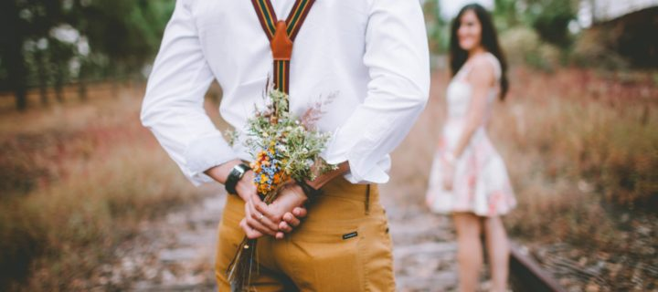 What to do for our 1 year anniversary : 7 romantic and unique things to do on your anniversary
